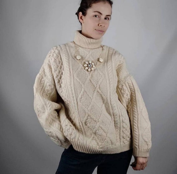 Chunky oversized sweater in ivory/hand knitted swe