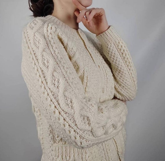 Hand knitted buttons cardigan aran knit/vintage so