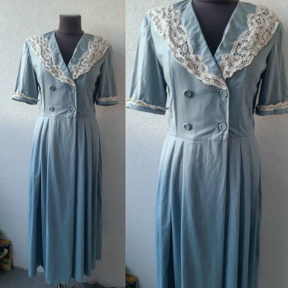 Laura Ashley rare colonial  dress with sailor coll