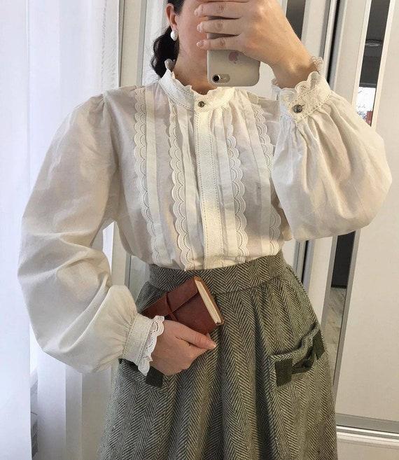 Austrian blouse puff sleeves/victorian blouse ruff