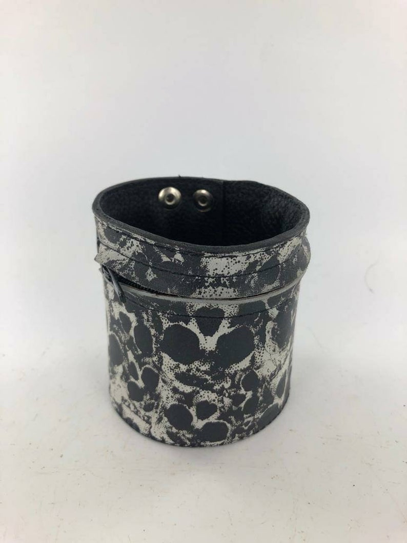 Skull Design.Functional Bracelet with zipper pocket for Cash and Accessories,Triple Snap closure.Size Medium Wrist Handmade Leather Cuff