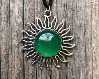Green agate  sun burst necklace
