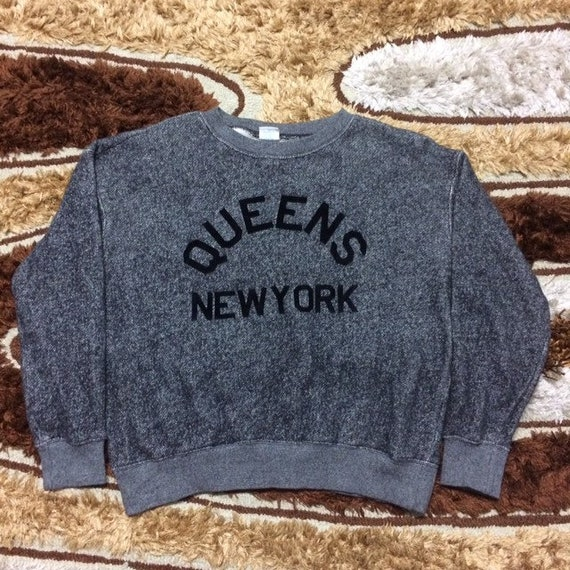 Vintage Queens New York X Champion Sweatshirt Rar… - image 1