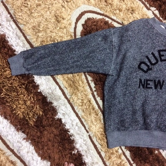 Vintage Queens New York X Champion Sweatshirt Rar… - image 5