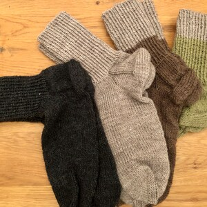Women\u2019s 6-8 hand-cranked wool blend socks