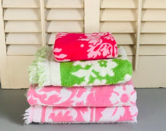 Vintage Bath Towels Pink and Green Color Set of Four Sculpted Towels