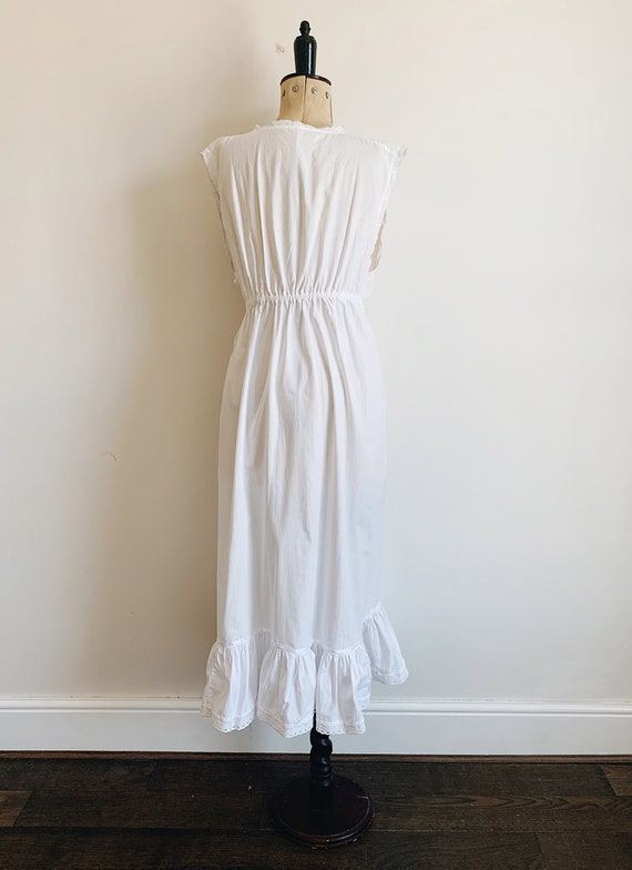 Cotton ruffle nightdress - image 5