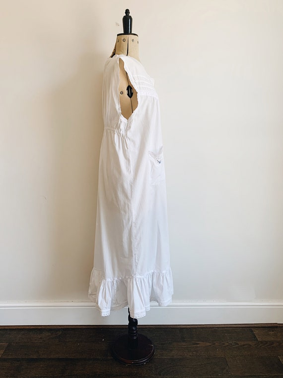 Cotton ruffle nightdress - image 4