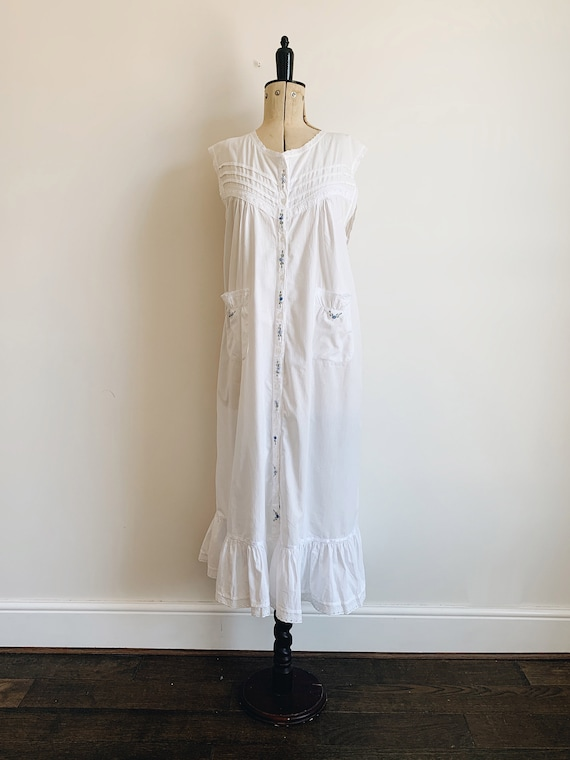 Cotton ruffle nightdress - image 1