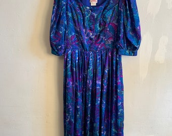 Vintage Austrian Dirndl Dress Floral Puff Sleeve Great Pattern & Colour Combination