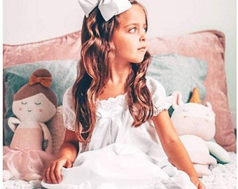 100% cotton Girls lace vintage style nightgown, girl ruffle nightgown, girls long nightgown,  girls nightgown, girls vintage night