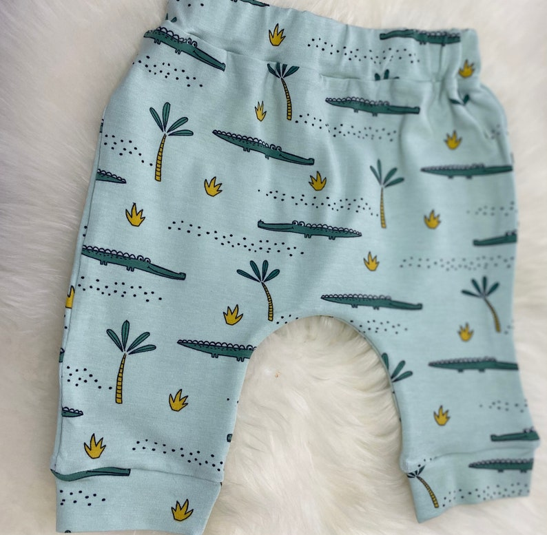 unisex Set pants and knot hat baby with crocodile,harem pants,size 56-74