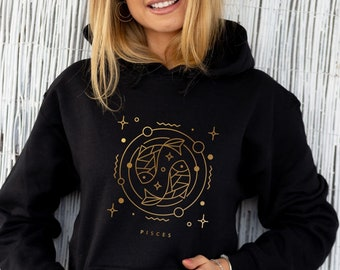 Personalized Pisces Girl Zodiac Astrology Sweatshirt Birthday Gift Birth Year Gift for Friend Sweatshirt for Woman Gift for her