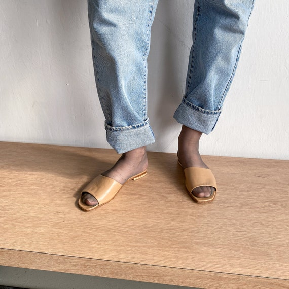 Vintage Chanel 90s leather beige slippers