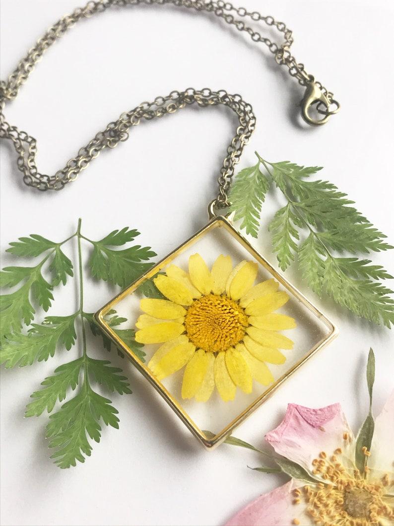 Resin Pendant Gift Flower Pendant Necklace Handmade Jewelry Real Pressed Flowers Custom Jewelry