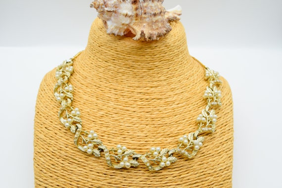 Victorian style foliate pearl necklace