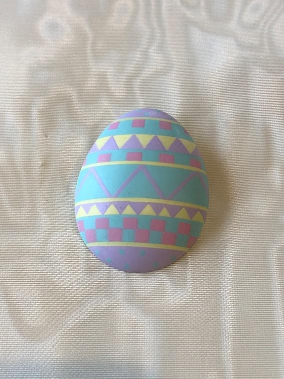 Easter Egg Flying Colors Brooch