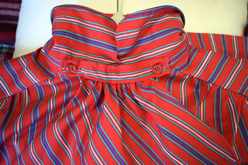 Vintage Red Striped Long Sleeve Button Up Blouse  Size 8  Red  Multicolored  Ship /'n Shore