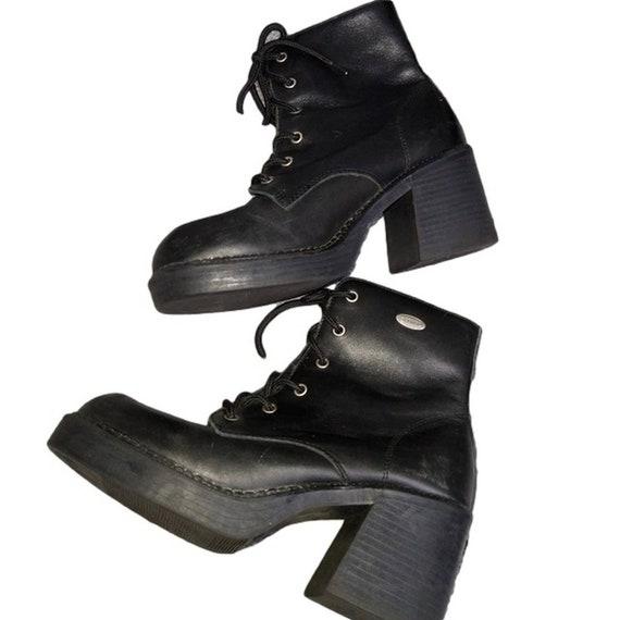 Vintage 90s Skechers platform boots