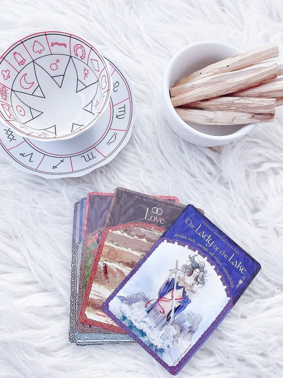 Personalized Daily Oracle Reading