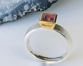 Amethyst ring bicolor, angular