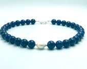 Lapis lazuli chain with freshwater pearl
