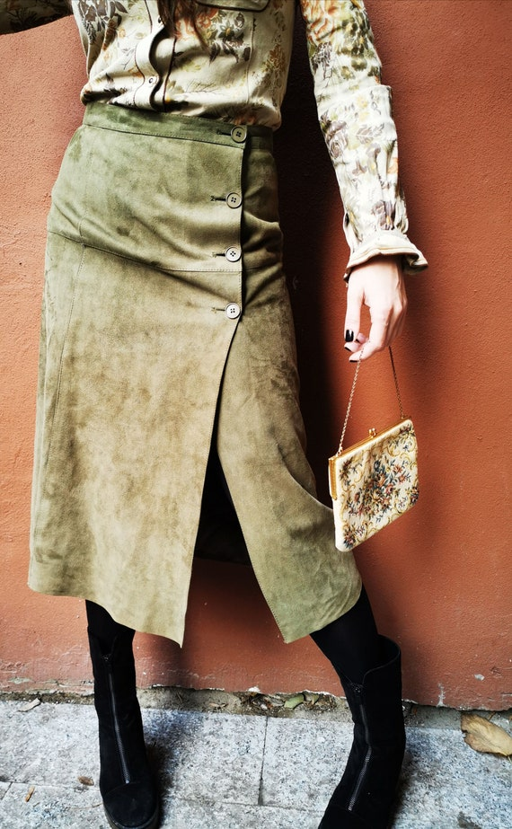 Midi skirt in suede