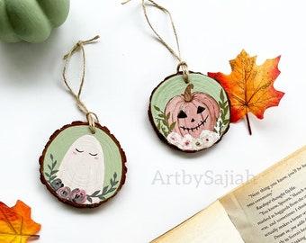 Cute Halloween Ornament | Halloween Decor, Wood Slice Painting, Cute Ghost, Cute Pumpkin