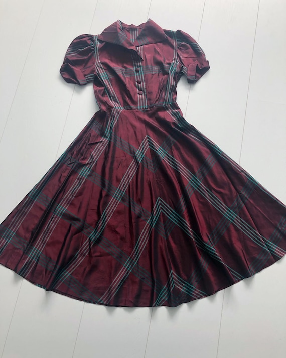 Beautiful 1940s red tartan taffeta dress