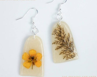 Botanical Earrings, Real Flower Jewelry, Nature Earrings, Resin Flower, Nature Wedding, Greenhouse Earrings, Cottagecore Jewelry, Wildflower