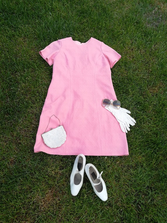 1960's original mod dress. Vintage pink summer dre