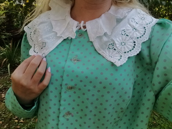 Vintage big collar /  Crocheted lace collar / Remo