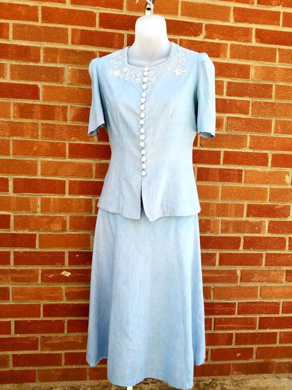Vintage 1940s - 50s two piece summer baby blue  li