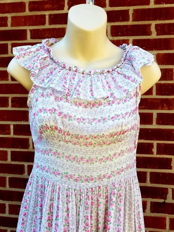 Cute 1930s handmade Calico Prairie day dress