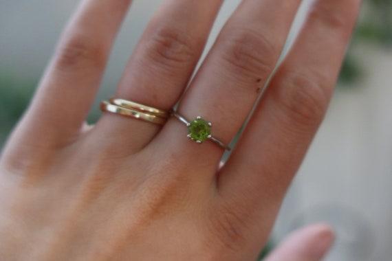 Silver Peridot Ring - image 3