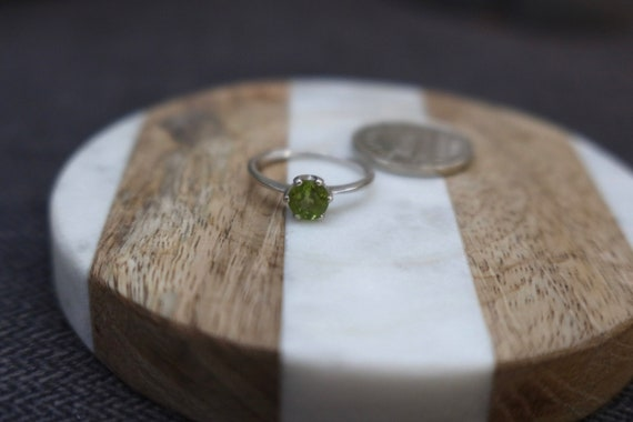 Silver Peridot Ring - image 1