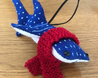 WINTER WHALE SHARK! Hand sewn felt whale shark 3D hand painted with hand knitted removeable scarf soft Christmas decoration 1pc marine diver