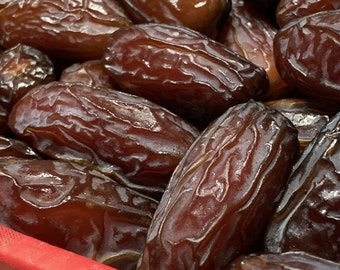 Organic Large Medjool Dates  Cultivated By AyaFarms