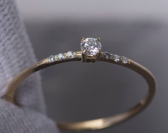 Simply Classic White Diamond Anniversary Ring Gift Minimalist Jewelry SilverYellow Gold Promise Ring Thin Dainty Engagement Ring Womens