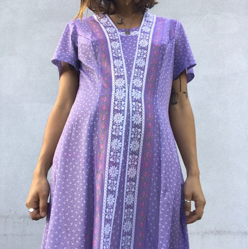 Vintage 1970 lilac purple paisley medals print boho gypsy dress