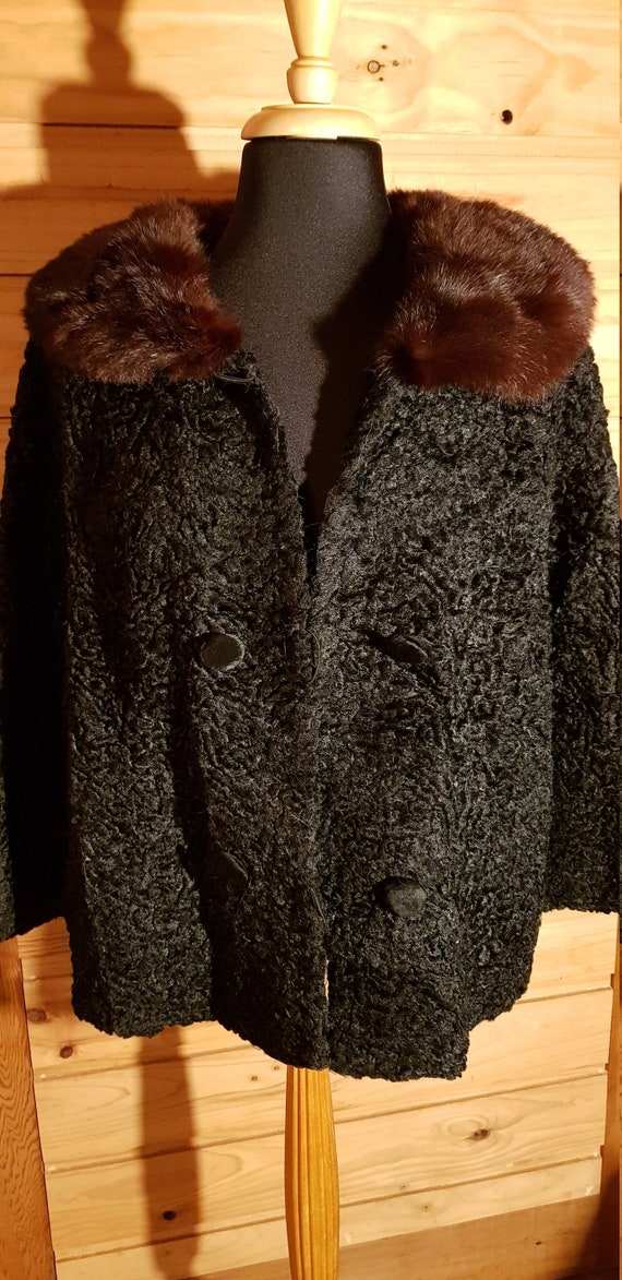 1970's Black Sheepskin Winter Cropped Coat with br
