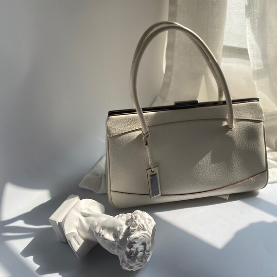Authentic Vintage Gucci White Leather Handbag - So