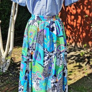 Vintage shorts UK 10-14 Vintage neon orange unisex shorts with blue geometric side borders