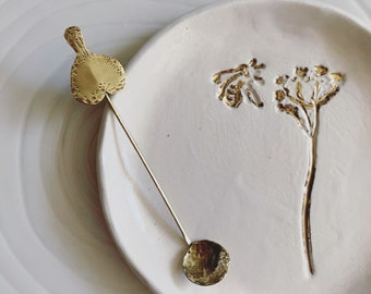 Hand forged brass salt spoon / nature inspired brass object / leaf motive dash of salt spoon
