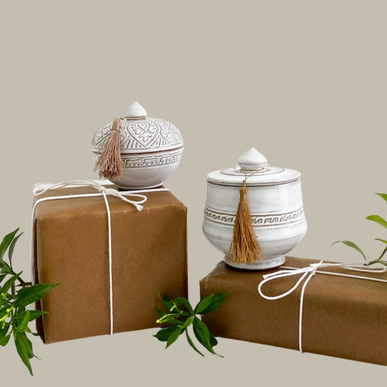 Fragrance Free Free Gift Wrapping Tall Lotus Soy Wax Ceramic Candle