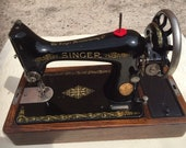 Vintage Singer Sewing Machine Model 99 (1923) with original Bentwood case