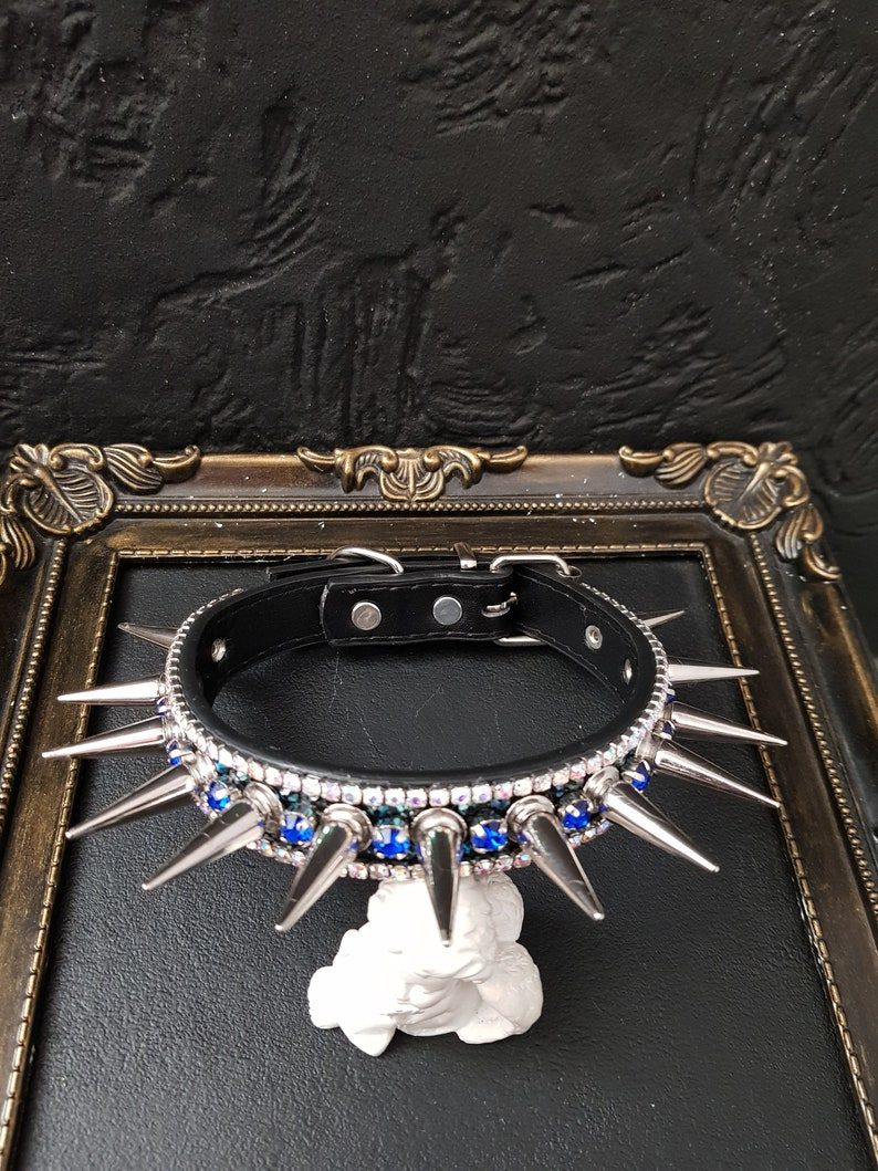 Crystal and spike Cat or Dog Collar 28-33cm  length