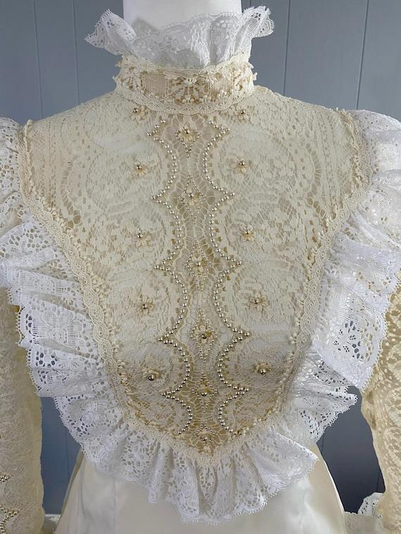1970s ILGWU Wedding Dress with Veil , vintage Boho