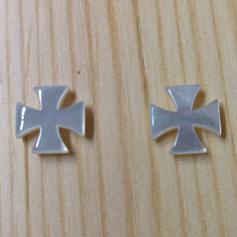 Lot Of 3 Mother of Pearl White Sea Shell Cross For Jewllery Making High Quality Beautiful Design Drilled For Easy Jewllery Making