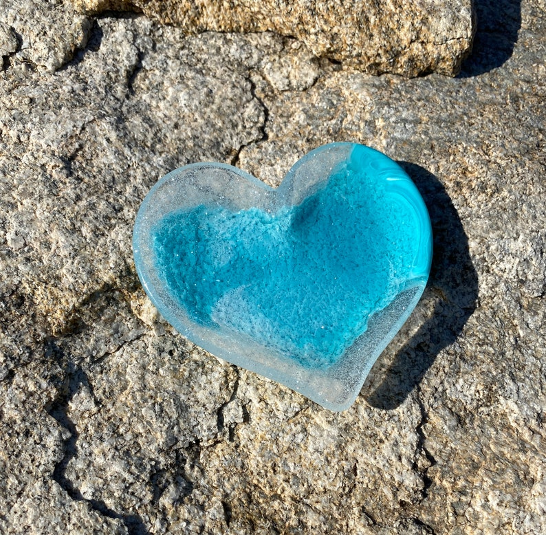 heart resin dish resin art ring tray heart trinket dish epoxy dish heart trinket tray change or ring dish blue heart Resin heart tray